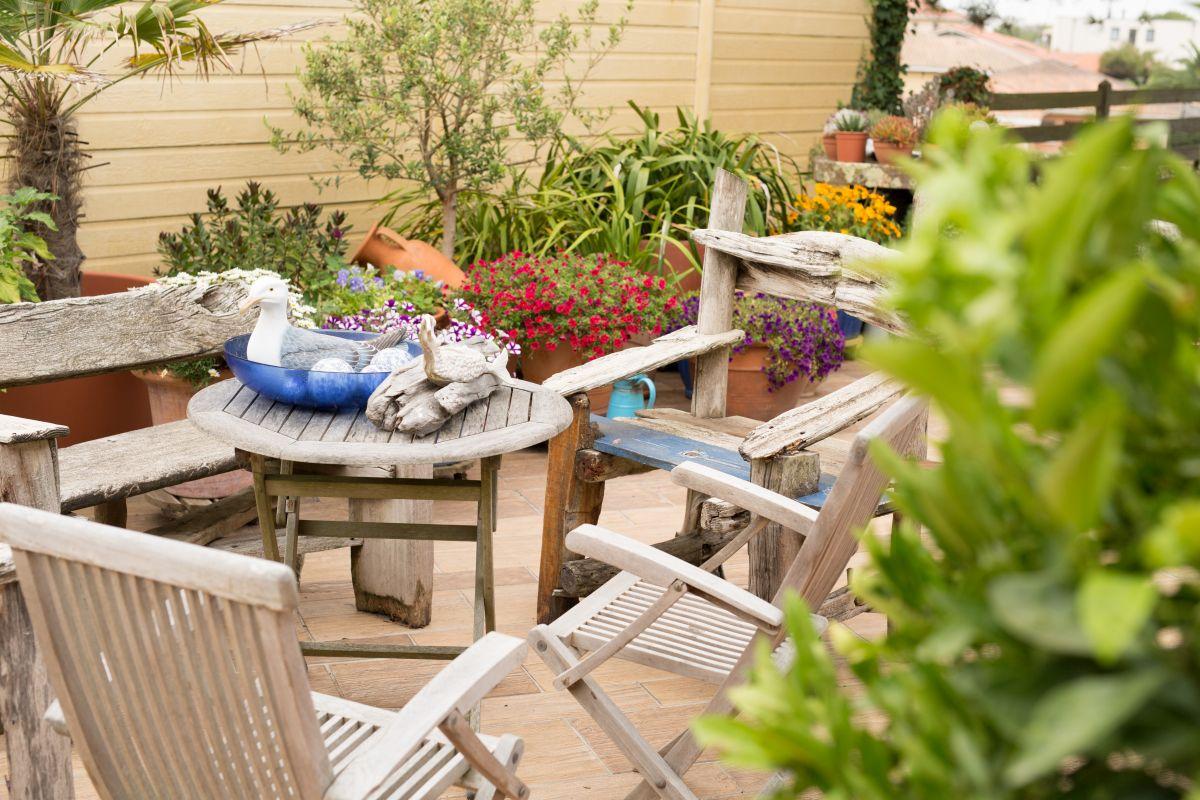 odnowa mebli ogrodowych